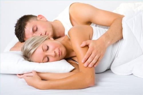 Hvordan sove bedre med essensielle oljer
