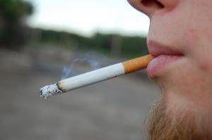 Hvordan virker Røyking påvirker munnen?