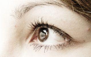 Hvordan virker Eye Bruk Light?